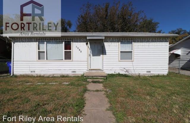 1032 W 14th St - 1032 West 14th Street, Junction City, KS 66441