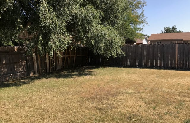 6513 22nd Pl - 6513 22nd Place, Lubbock, TX 79407
