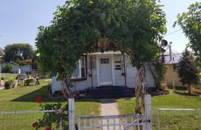 403 Melrose St. - 403 Melrose Street, Zillah, WA 98953