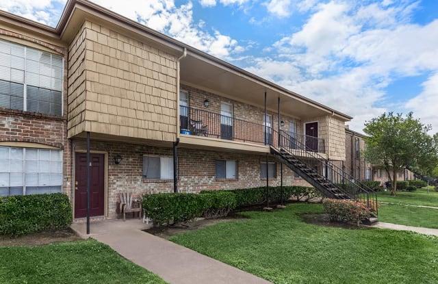 The Life at Bay Pointe - 2500 E James Ave, Baytown, TX 77520