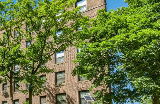 Kew Arms - 82-46 Lefferts Boulevard, Queens, NY 11415