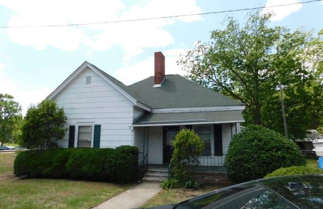11 Second Street EAST - 11 2nd Street, East Laurinburg, NC 28352