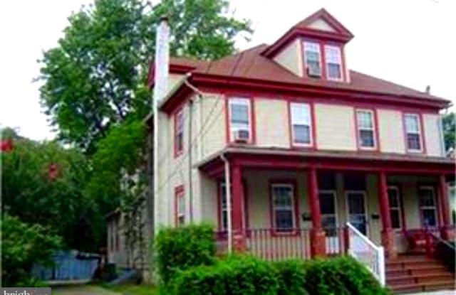109 W CENTRAL AVENUE - 109 West Central Avenue, Moorestown-Lenola, NJ 08057