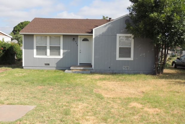 923 E 17th St - 923 East 17th Street, Odessa, TX 79761
