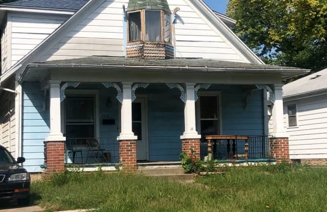 2311 S 13th - 2311 South 13th Street, Springfield, IL 62703
