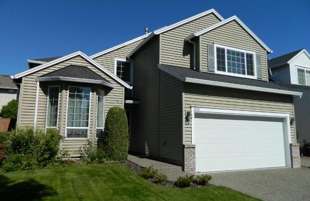 1239 NE Setting Sun Drive - 1239 Northeast Setting Sun Drive, Hillsboro, OR 97124