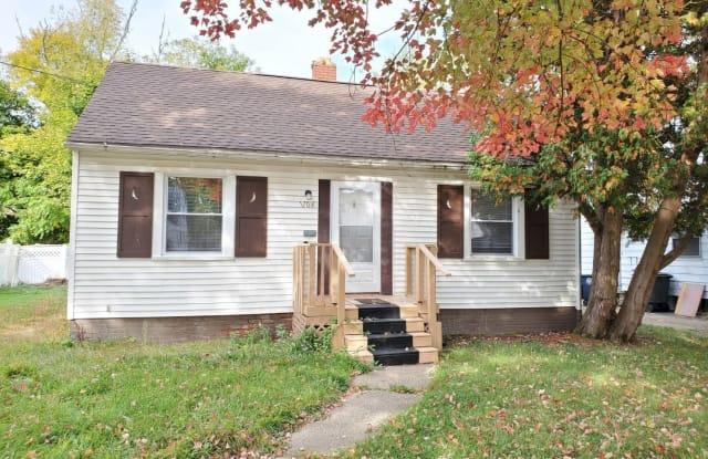 1104 Hardesty Blvd - 1104 Hardesty Boulevard, Akron, OH 44320