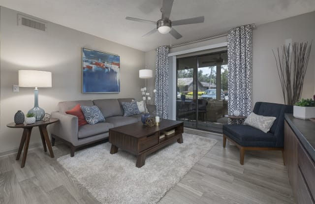 Retreat at Lakeland - 5115 N Socrum Loop Rd, Lakeland, FL 33809
