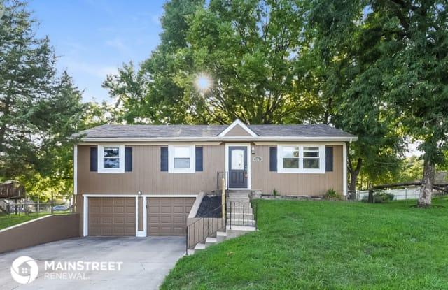 3028 South 14th Street - 3028 South 14th Street, Leavenworth, KS 66048