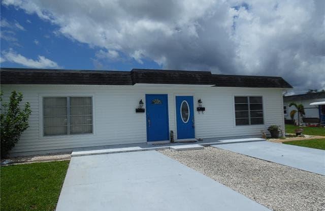 26 Hamlin CT - 26 Hamlin Court, Lehigh Acres, FL 33936
