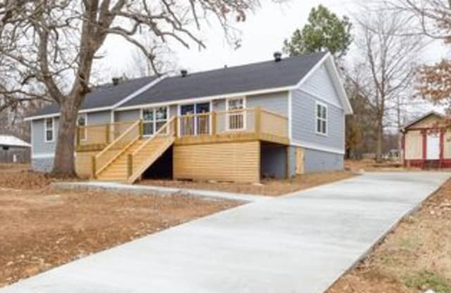2300 North Old Wire Road - 2300 North Old Wire Road, Fayetteville, AR 72703