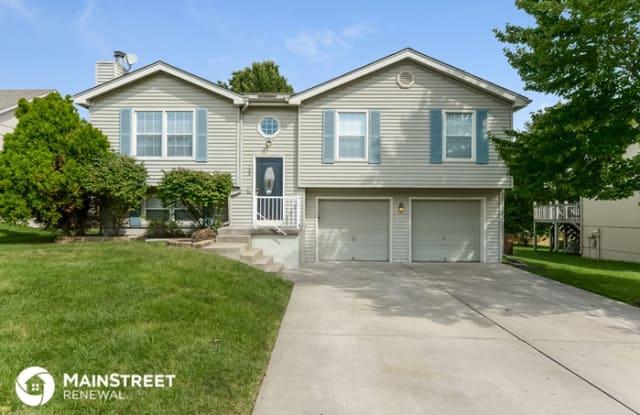 108 East Remington Terrace - 108 East Remington Terrace, Raymore, MO 64083