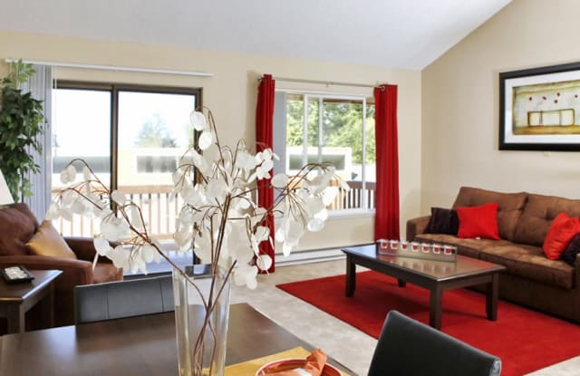 The Bluffs at Mountain Park - 50 Kerr Pkwy, Lake Oswego, OR 97035