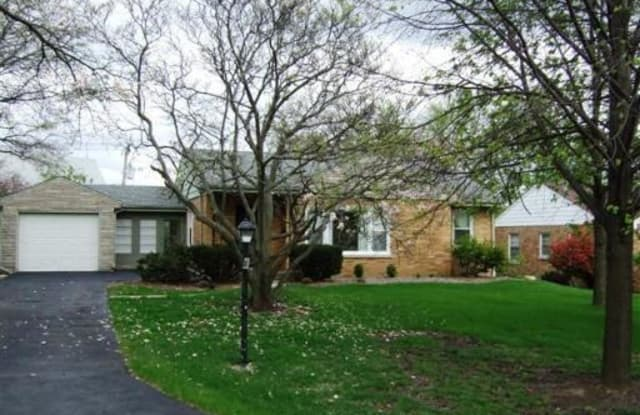 269 Terrace Avenue - 269 Terrace Dr, Clarendon Hills, IL 60514