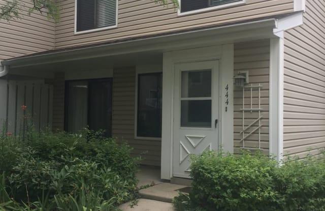 444 Stevenson Place - 444 Stevenson Place, Vernon Hills, IL 60061