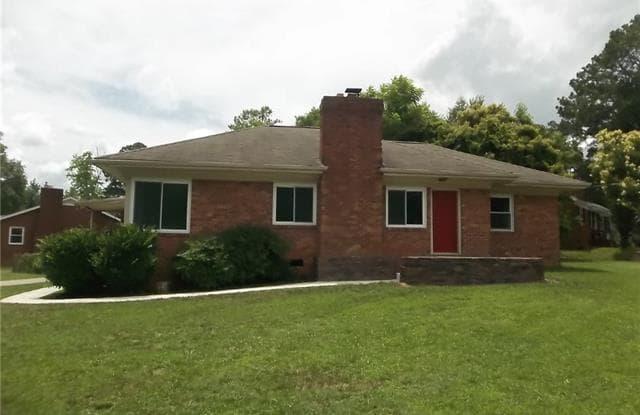 4400 Longwood Drive - 4400 Longwood Drive, Charlotte, NC 28209