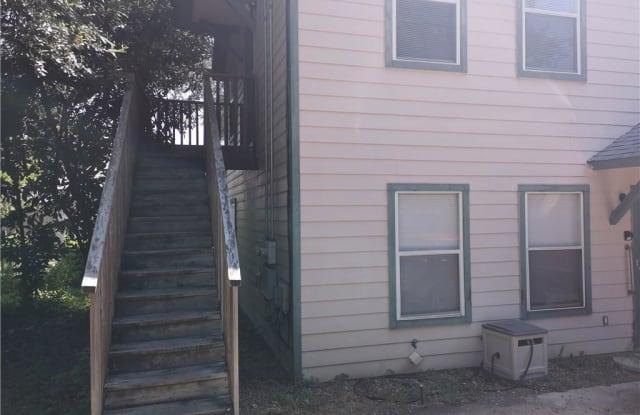 519 W Hutchison - 519 West Hutchison Street, San Marcos, TX 78666
