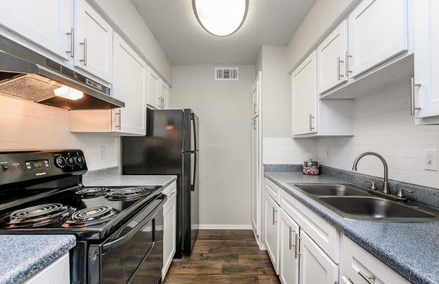 Bainbridge Villas - 3603 Southridge Dr, Austin, TX 78704
