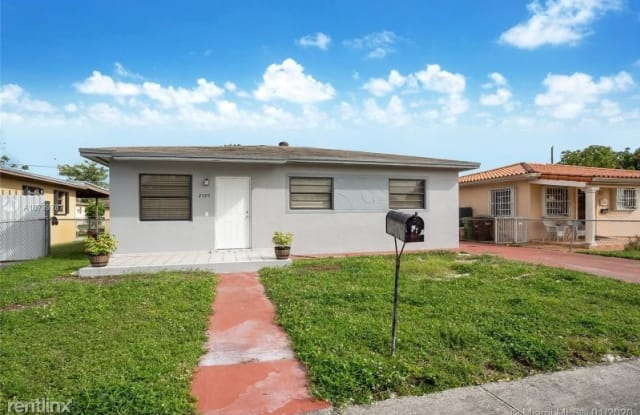 2595 W 9th Ln - 2595 West 9th Lane, Hialeah, FL 33010