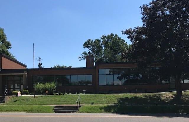 1300 Clairmont Ave - 1300 Clairmont Avenue, Cambridge, OH 43725
