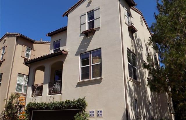 9 Tall Oak - 9 Tall Oak, Irvine, CA 92603