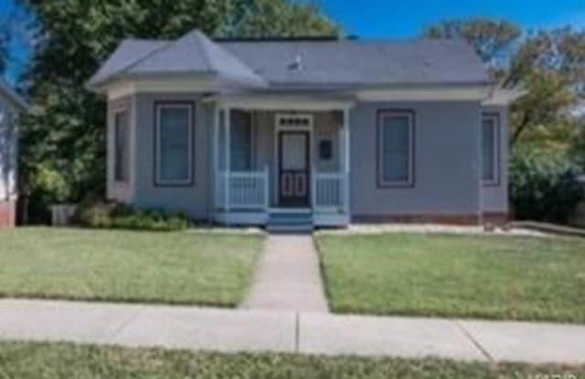 218 Hickory Street - 218 Hickory Street, Edwardsville, IL 62025