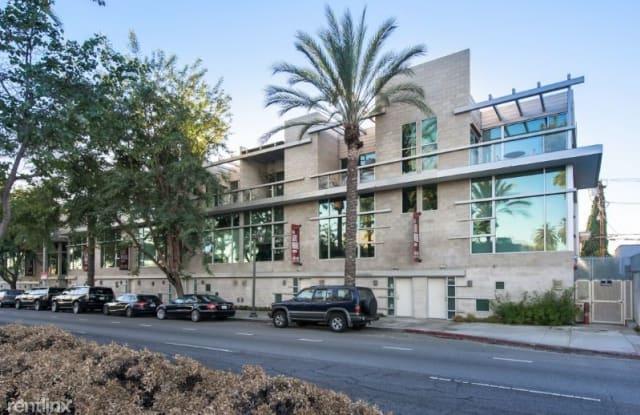 717 N Highland Ave 11 - 717 North Highland Avenue, Los Angeles, CA 90038