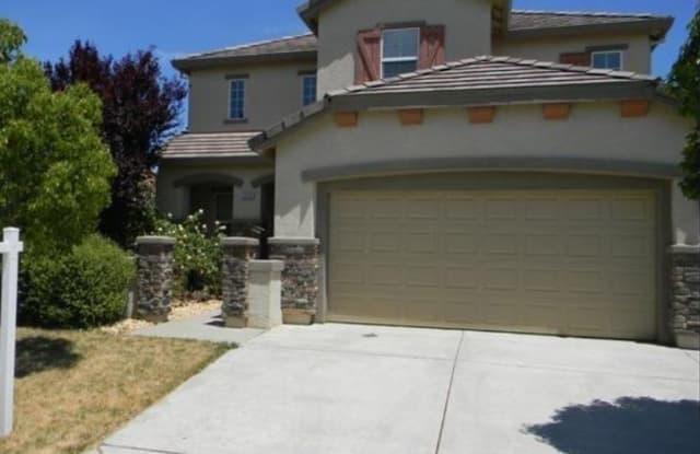 5636 La Casa Way - 5636 La Casa Way, Sacramento, CA 95835