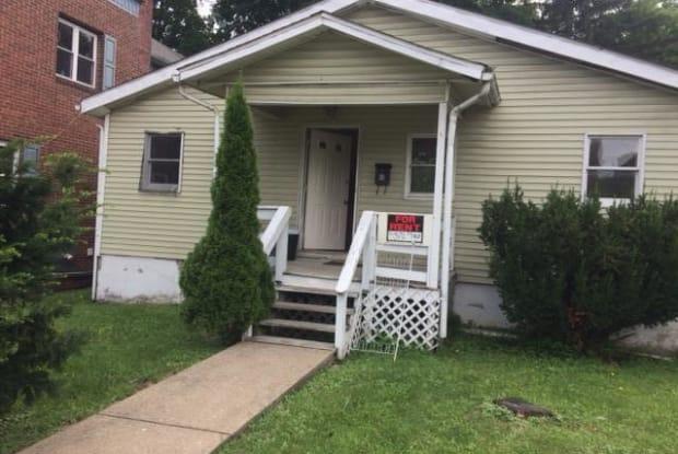 225 Washington ST - 225 Washington Street, East Stroudsburg, PA 18301