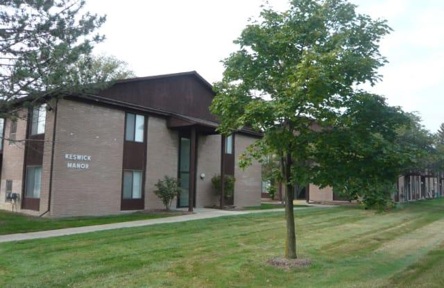 Keswick Manor Apartments - 16099 W 11 Mile Road, Southfield, MI 48076