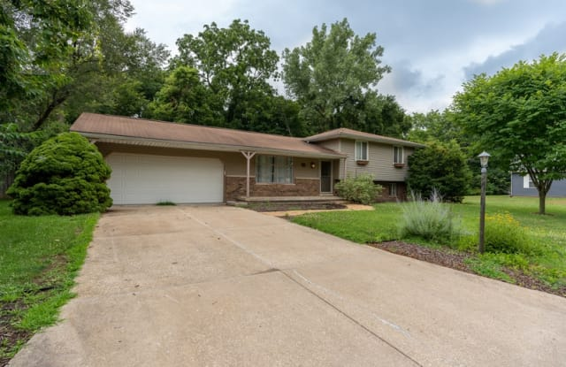 13 Tanglewood Ct - 13 Tanglewood Court, East Peoria, IL 61611