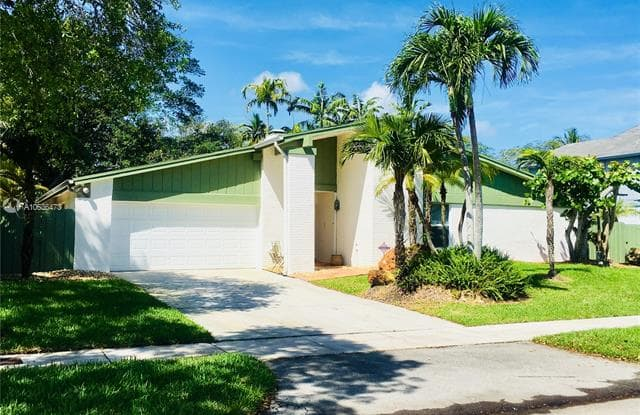 10524 SW 132 COURT - 10524 SW 132nd Ct, The Crossings, FL 33186