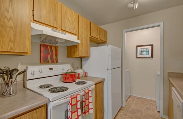The Ridge and The Shores - 31912 3rd Pl SW, Federal Way, WA 98023