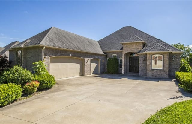 6211 W Valley View RD - 6211 W Valley View Rd, Rogers, AR 72758