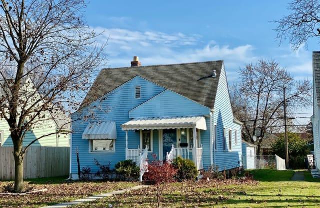 950 S Hague Avenue - 950 South Hague Avenue, Columbus, OH 43204
