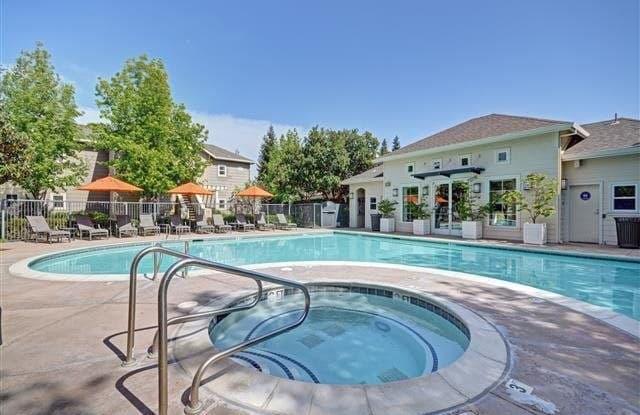 Kensington - 1552 E Gate Way, Pleasanton, CA 94566