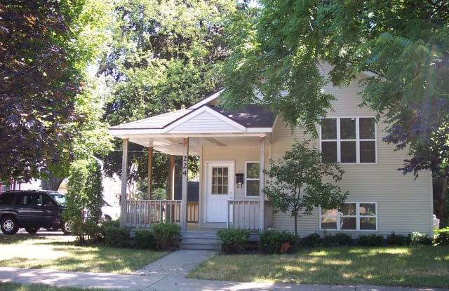 224 Straight Ave NW - 224 Straight Avenue Northwest, Grand Rapids, MI 49504