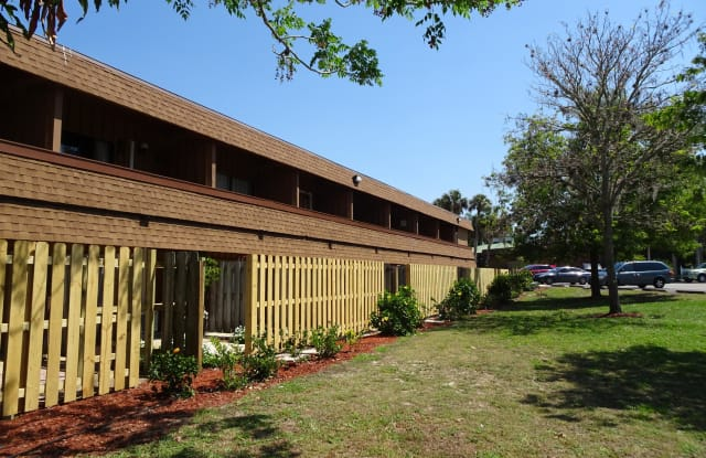 2180 Country Club Drive - 2180 Country Club Drive, Titusville, FL 32780