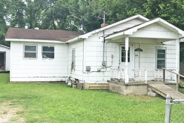 233 4th Ave - 233 4th Ave, Dyersburg, TN 38024