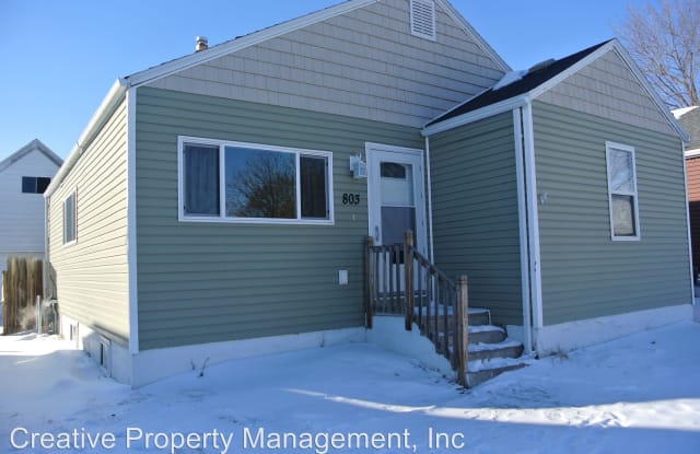 803 7th St NW - 803 7th Street Northwest, Minot, ND 58703