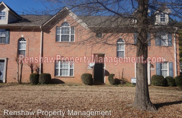 8532 Farmington BLVD - 8532 Farmington Boulevard, Germantown, TN 38139