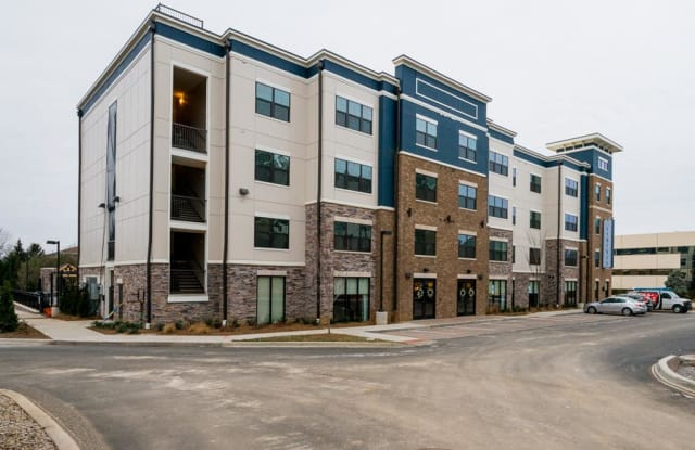 The Gentry at Hurstbourne - 9500 Williamsburg Plaza, Louisville, KY 40222