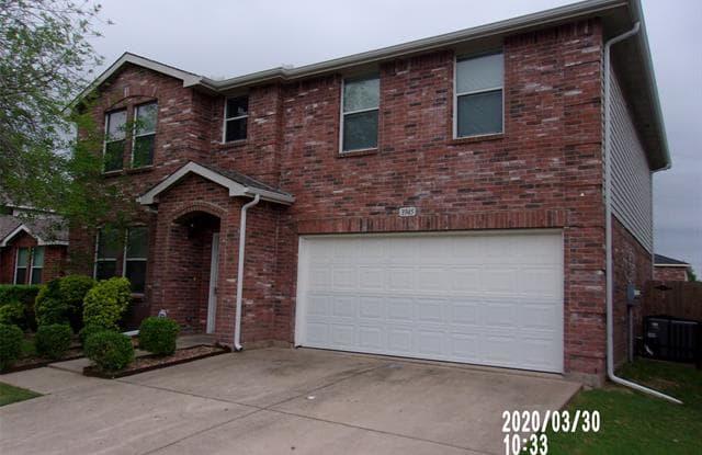 3945 Thoroughbred Trail - 3945 Thoroughbred Trail, Fort Worth, TX 76123
