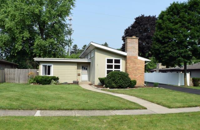 159 Woodland Road - 159 Woodland Road, Libertyville, IL 60048