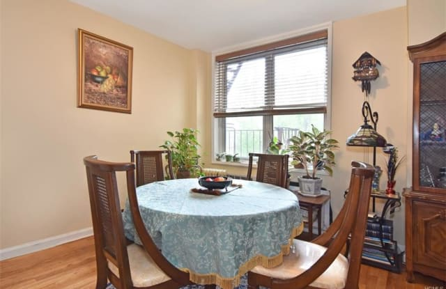 3311 Giles Place - 3311 Giles Place, Bronx, NY 10463
