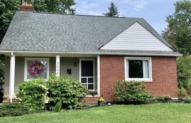 2665 Lakeview Ave - 2665 Lakeview Avenue, Rocky River, OH 44116