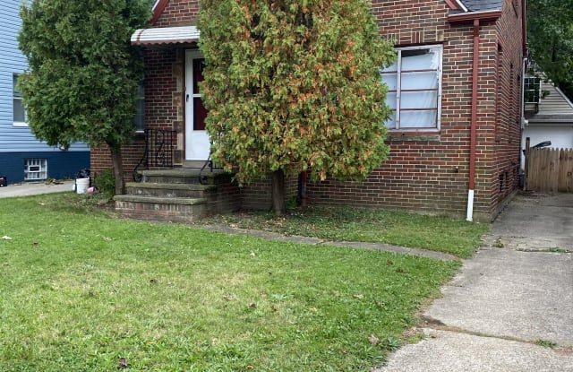 18304 Rosecliff Road - 18304 Rosecliff Road, Cleveland, OH 44119