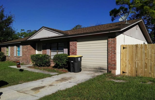 7045 PRELLIE ST - 7045 Prellie Street, Jacksonville, FL 32210