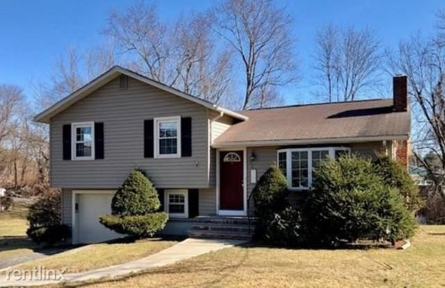 50 Irving Dr - 50 Irving Drive, Norfolk County, MA 02081