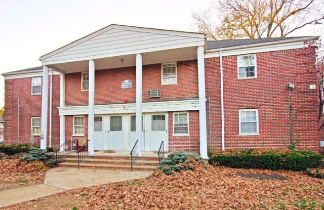 Molly Pitcher Village Apts - 183 Branch Ave, Red Bank, NJ 07701